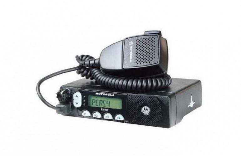 EM 400 Móvil Radiotransmisor Motorola